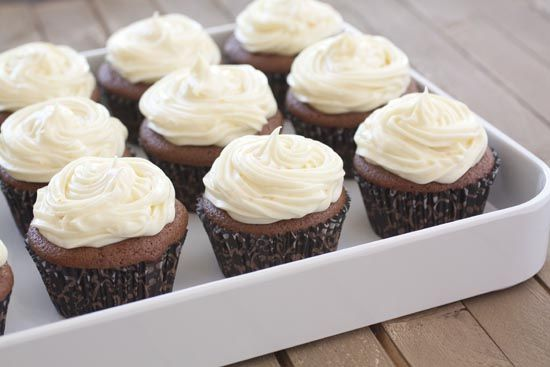 chocolate orange cupcakes: Chocolates Bas Cupcakes, Cupcakes Muffins, Cream Cheese Frostings, Orange Cupcakes, Chocolates Cupcakes, Chee Frostings, Cupcakes Rosa-Choqu, Chee Cakes, Chocolates Orange