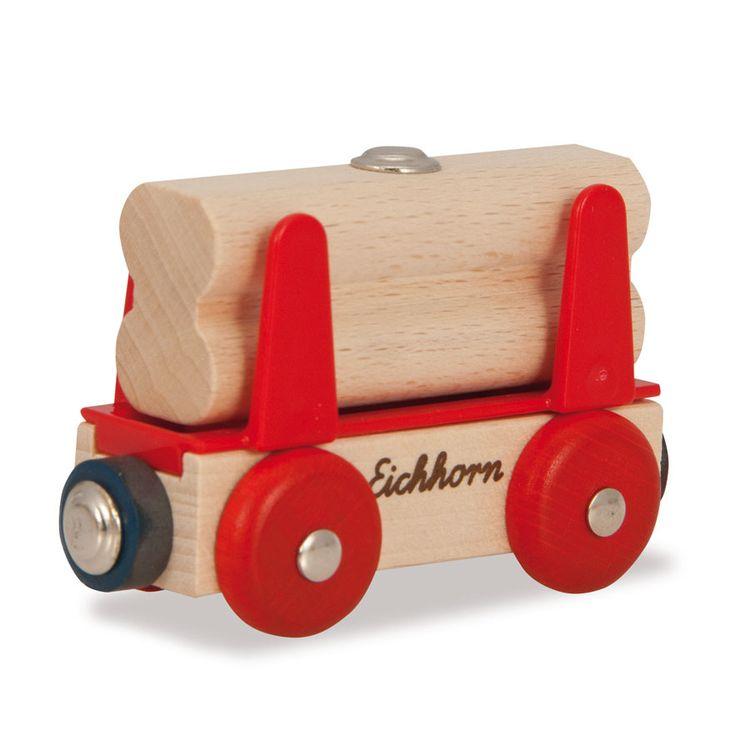 Eichhorn staat bekend om haar prachtig houten speelgoed, zoals complete treinbanen, houten poppenkasten, puzzels, poppenhuizen en veel meer.Het leuke van treinen van Eichhorn is dat de houten rails ook te combineren is met andere merken. Afmeting:lengte 8 cmPast op alle Eichhorn treinbanen - Eichhorn Houten Wagon met Houten Lading