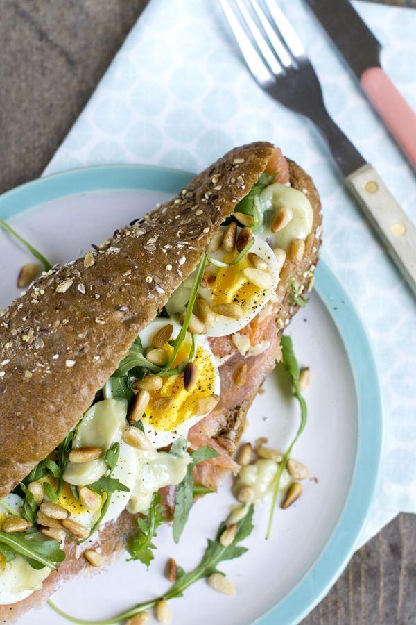 Broodje met ei en zalm