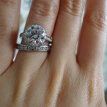 Tiffany Embrace #engagementring #weddingband