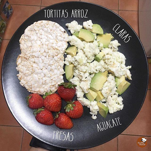 ¡Buenos días!♥️.  .  Vamos a por el Juernesss con este súper desayuno.  .  Besazossssss.  .  #healthyfranita #desayunoshealthyfranita #follow #followme #like4like #instafit #fit #fitness #healthyfood #healthylifestyle #healthyliving #instaphoto #foodporn #foodie #food #yummy #realfood #healthychoices #abs