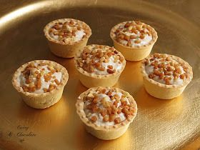 Mini tartaletas saladas de pollo al vino dulce con almendras – Mini tartlets with creamy chicken