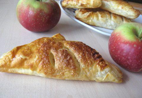Trojkaty-z-ciasta-francuskiego-z-jablkami.html