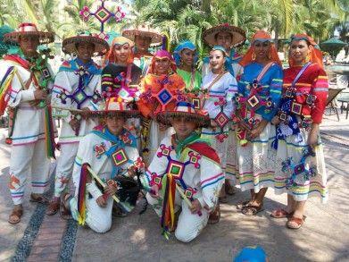 Acusan al gobierno de SLP y a minera de promover violencia entre huicholes( La Jornada, 23 de noviembre)