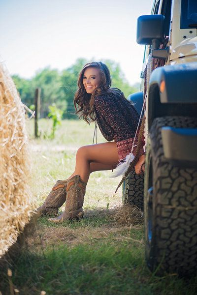 Bookout Studios, senior photographer, huntsville, AL  senior pictures, boho, jeep, hay, bale, boots, cowgirl, photos, field, white dress, model