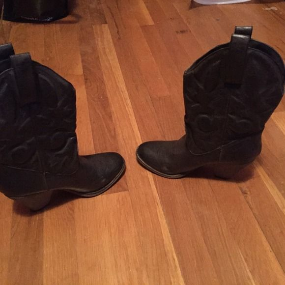 Dress cowboy boots Super comfortable, hardly ever worn, a few small scuffs on one side MIA Shoes