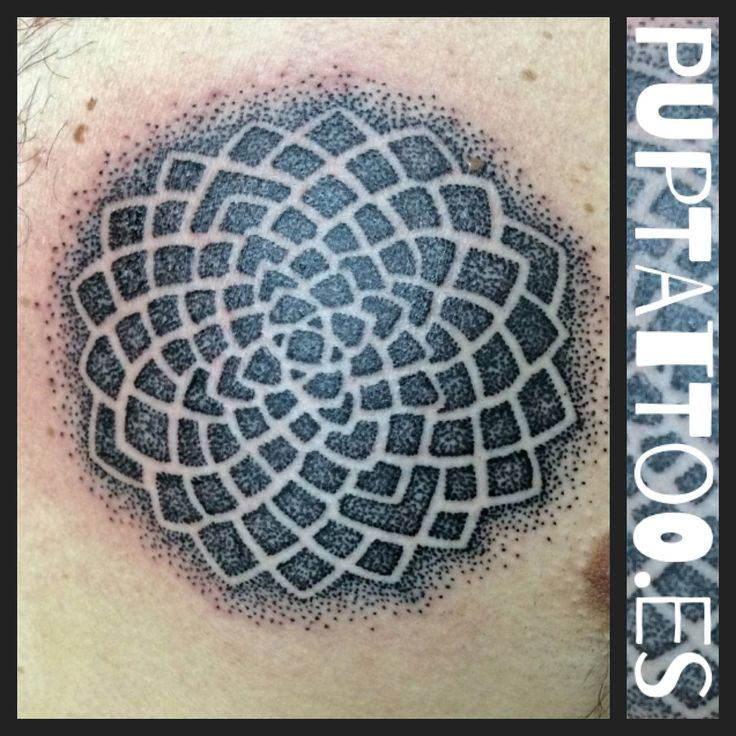 https://flic.kr/p/GYJdGY | Tatuaje Mandala dotwork Pupa Tattoo Granada | Pupa Tattoo Art Gallery     C/Molinos, 15     18009 Granada     Spain     Telf.: 958 22 12 80     instagram.com/pupa_tattoo     twitter.com/PupaTattoo     www.pupatattoo.es