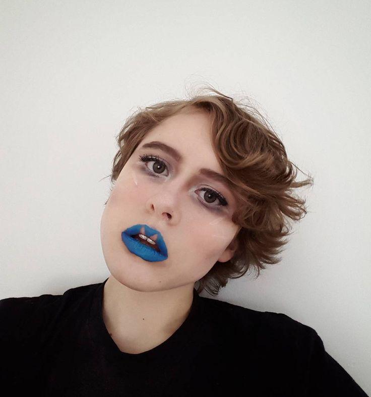 Not sure what I was doing... . . . #makeup #smashbox #cosmetics #makeupideas #makeupartist #styling #hair #inspiration #style #styleideas #styleinspiration #styleinspo #fashionblogger #fashion #fashioninspiration #fashioninspo #lips #gloss #eyeshadow #maybelline #almay #benefit #revlon #shany #becoyou #tarte #nars #eyeliner #eyeshadow http://ameritrustshield.com/ipost/1548198889461807718/?code=BV8Tq_wBnpm