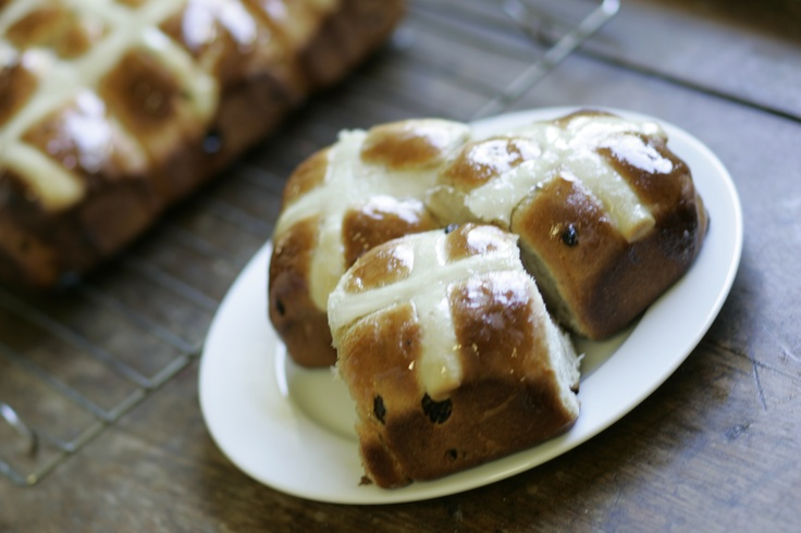 Unconventional Hot Cross Buns With Dark Chocolate & Dried Cherries ...