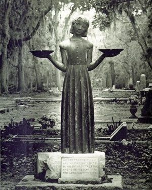 "cemetery+Statues+georgia | Bird Girl"" statue in Bonaventure Cemetery ... | cemetery splendor"
