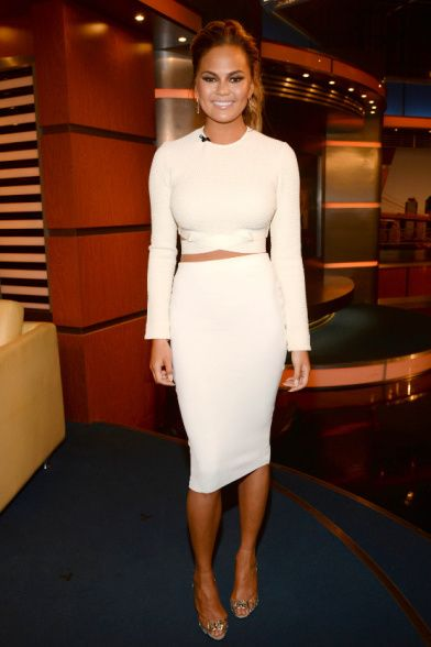 Celebrities Show You How To Wear Pencil Skirts: Chrissy Teigen