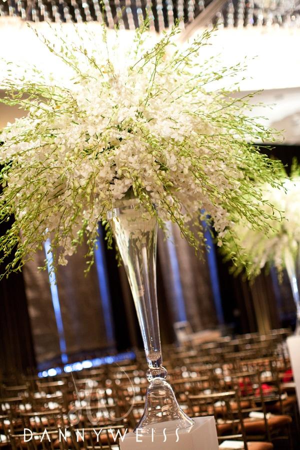 joli bouquet: App Store, Aisle, Design Centrepieces, Parties Ideas, Orchids White, Flowers, Centerpieces, Centrepieces Orchids, Ceremony Design