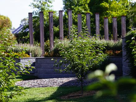 Kathleen Murphy Landscape Design Gallery Contemporary Garden Woodend These Vertical Posts Have Been