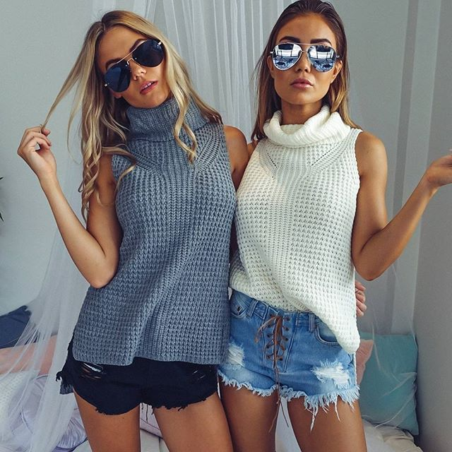 Cute and cozy twinnies in our fave 'Roll It' knits + 'Stare Down' sunglasses Shop them now via the link in our bio ☝️ #showpo