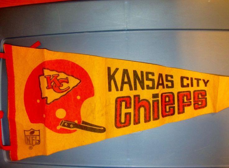 AFL Kansas City Chiefs Vintage 1 Bar Helmet Pennant ...