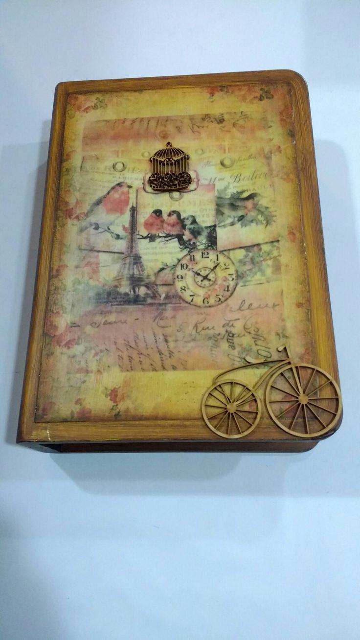 Caja libro vintage, técnicas mixtas