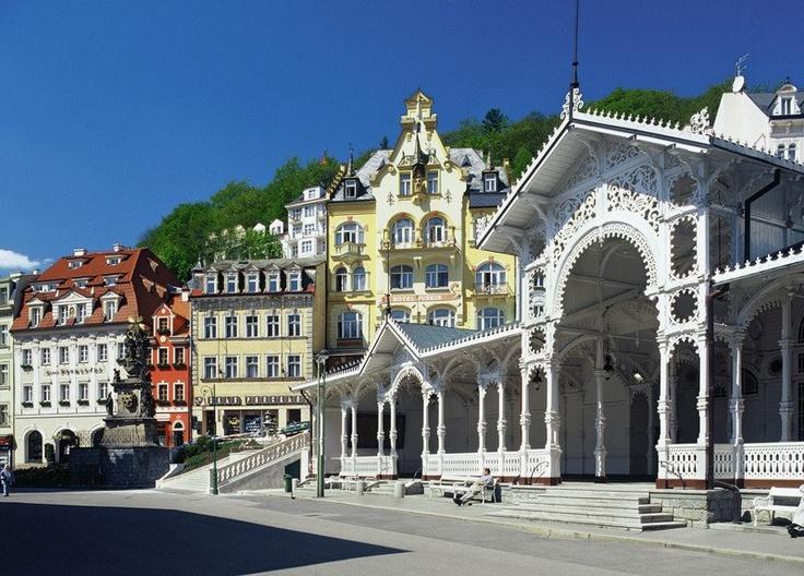K.V. Colonnades
