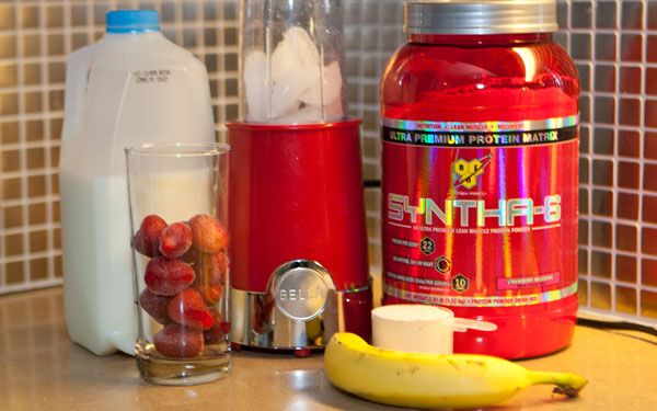 how to make a strawberry banana protein shake