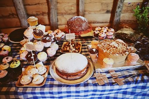 rustic_cake_table