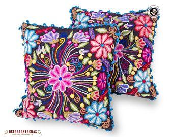 "Cojines bordado a mano  ""Flores de Primavera"" - Decoracion para el Hogar - Artesania Peruana - Regalos e ideas  - Decoracion hogar"