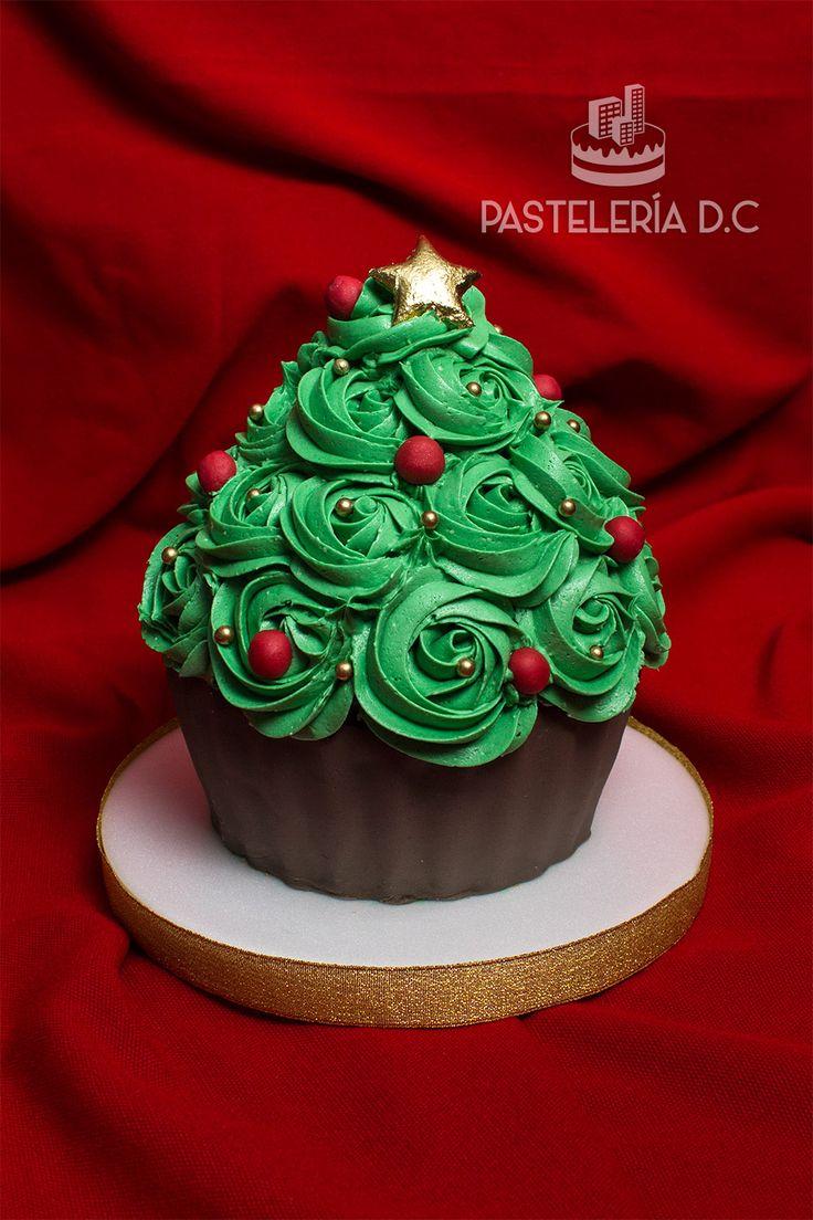 Cupcake gigante decorado como árbol de navidad / Christmas tree giant cupcake.