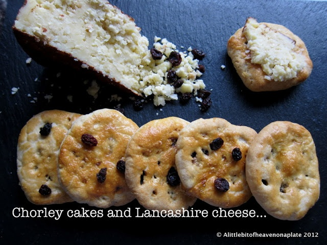 A little bit of heaven on a plate...: Chorley cakes for Lancashire day - recipe