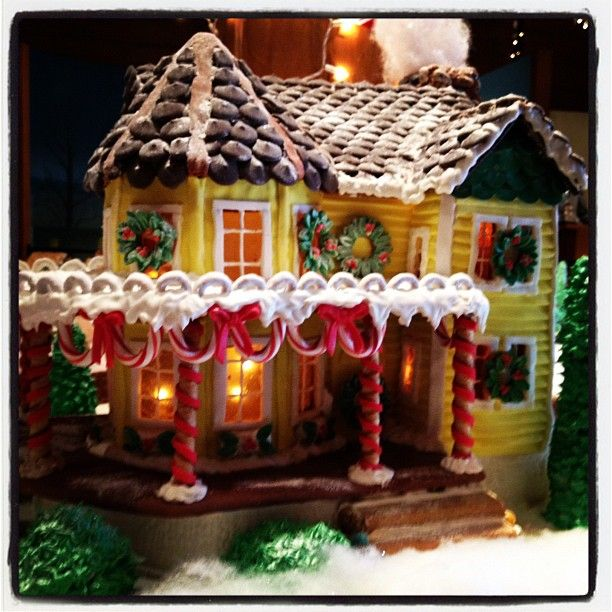 61 best gingerbread house inspiration images on pinterest for Gingerbread house inspiration