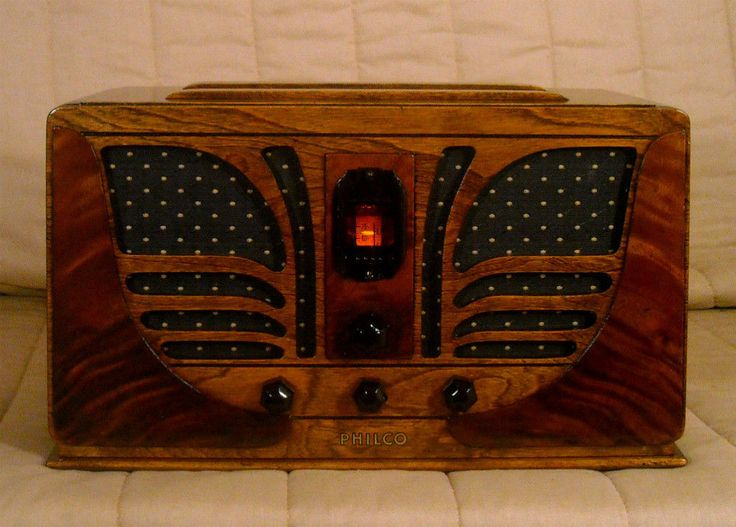 Old Antique Wood Philco Butterfly Vintage Tube Radio - Restored & Working #Philco