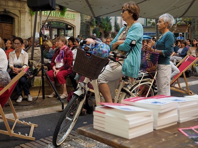 Les #Correspondances à pied ou à #vélo dans #Manosque  Crédits : Laurent Gayte- Manosque - 2014