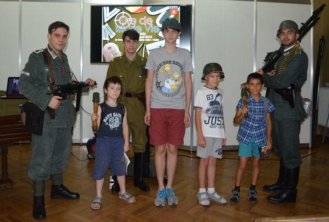 Participarea Asociației Redescoperă Istoria la Școala de Vară de la Palatul Suțu (18 iulie 2015)