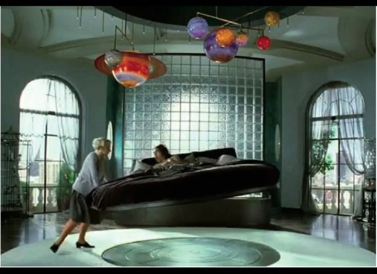 King Arthur's Magnetic Floating Bed