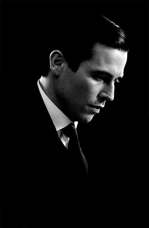 Rob James-Collier as Thomas Barrow - Downton Abbey - @~ Mlle