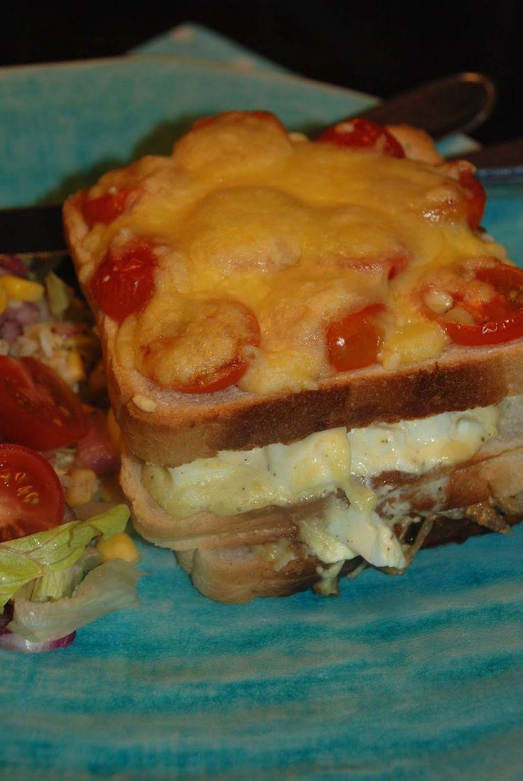 Smaskelismaskens: Varm smörgåstårta med bacon och ägg