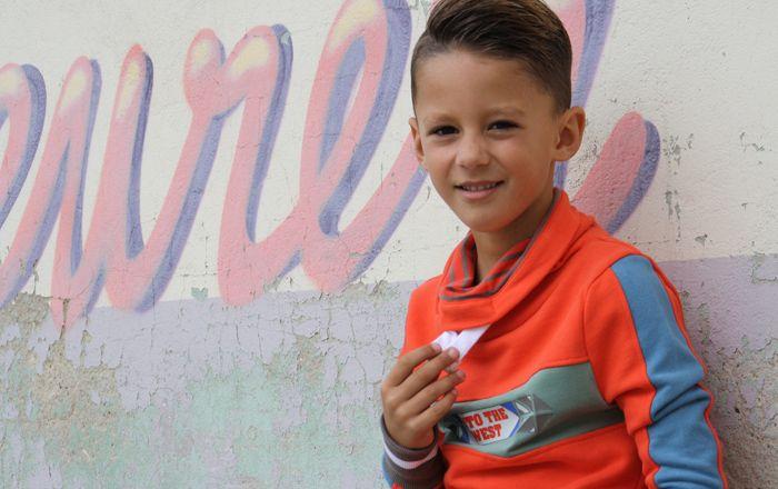 Dat sportieve kleding hartstikke trendy kan zijn laat het populaire MortenZ jongenskleding merk absoluut zien met deze te gekke jongenskleding collectie