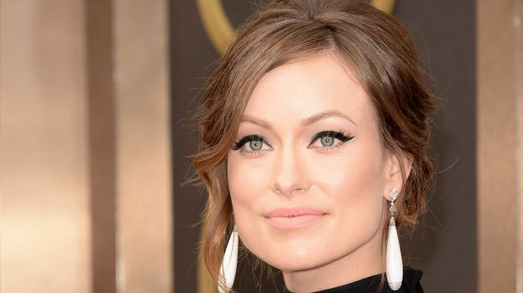 Olivia Wilde - I migliori beauty look degli Oscar 2014 | #makeup #cateye #mod #eyeliner #updo #redcarpet
