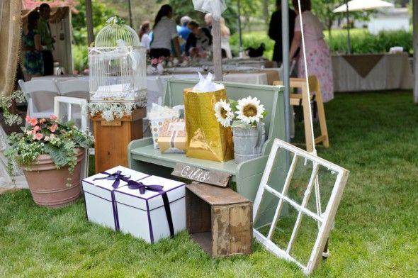 Backyard Wedding | rusticweddingchic.com