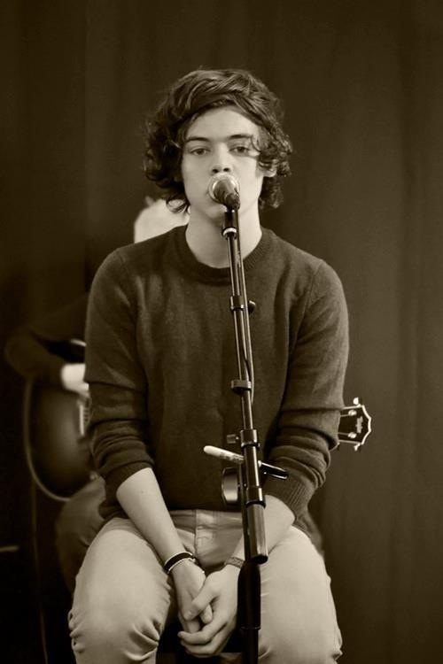 Oh My God...if he stared into my eyes while he was singing, I would seriously fall in love with him even more than i already am <3