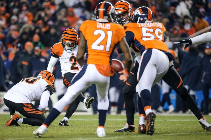 Bengals vs Broncos: Mike Nugent's missed field goal swung momentum. The Cincinnati Bengals put up an admirable fight against the Denver Broncos on Monday night, but one play began to switch the overall vibe of the game and helped lead to a 20-17 overtime loss.  12/29/2015