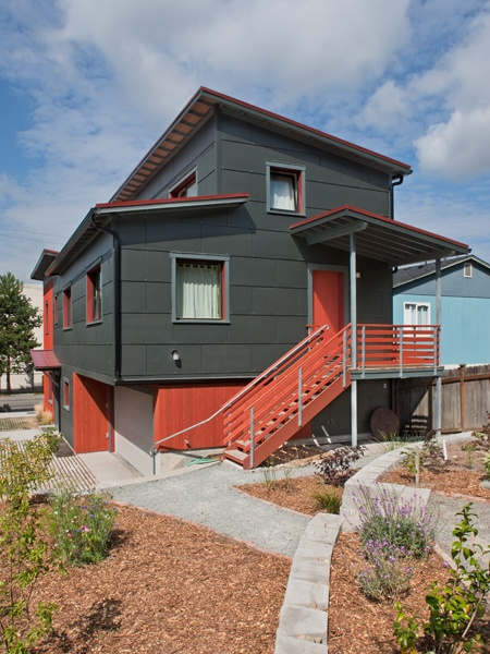 Courtland Place Passive House - Seattle, Washington - Designed and built by Hammer and Hand project lead Dan Whitmore - the first and only Passive House in Seattle. This Passive House provides unprecedented comfort and quality while significantly saving on energy.
