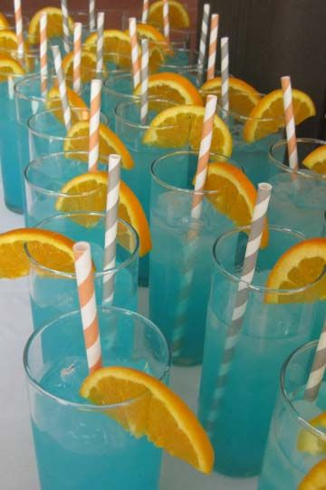A blue and gold wedding. Pretty drinks!