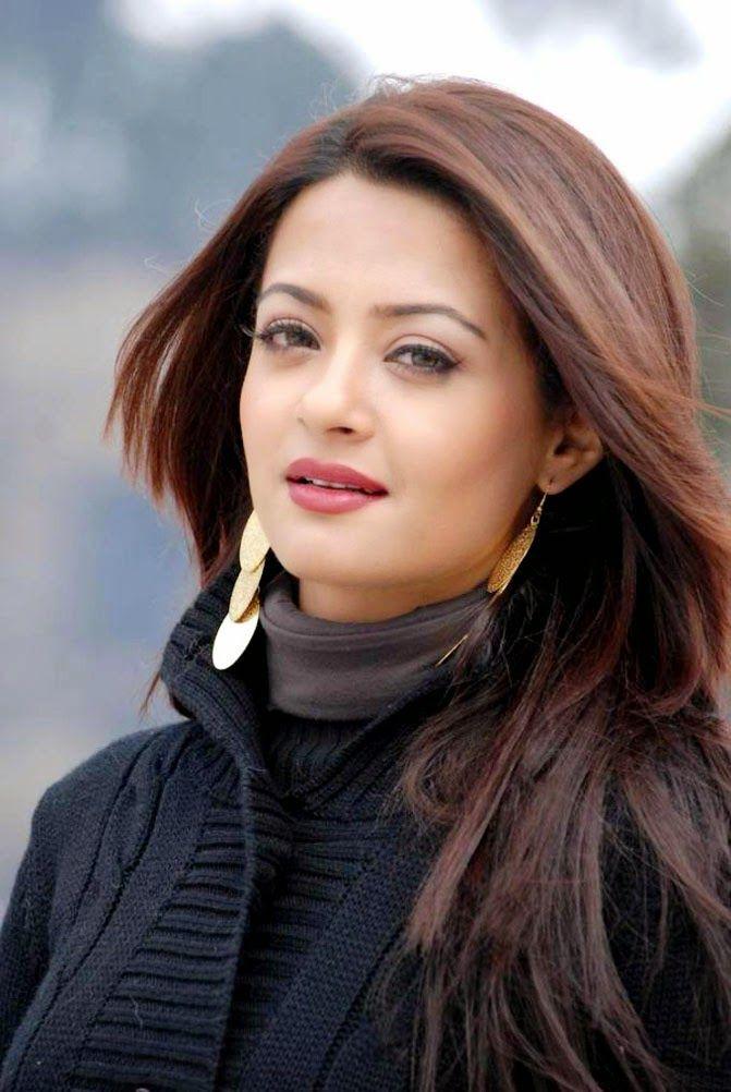 Surveen Chawla Beautiful HD Wallpaper Free