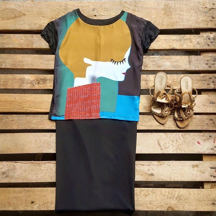 T shirt 30 euro, gonna a vita alta 30 euro!