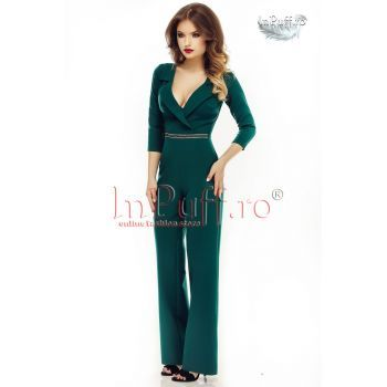 Salopeta verde eleganta, cu aplicatie pretioasa in talie, pantalon evazati, maneca trei sferturi, se inchide cu fermoar ascuns la spate