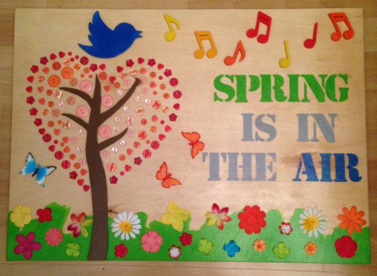 Spring is in the air. Wood. Bird, music, flowers, tree. Lente.