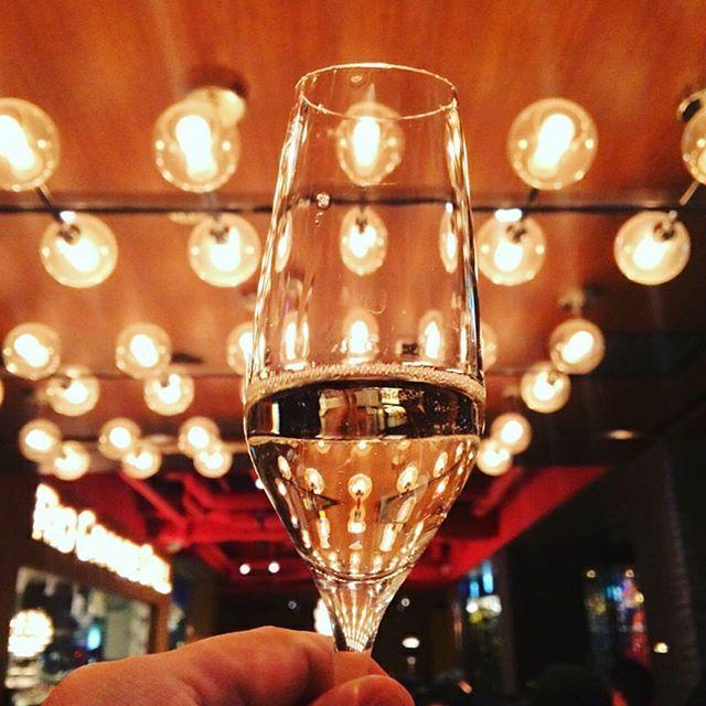 ついに来たFRIDAY🙏💕 今日はシャンパン+シュラスコにしちゃう😚? 📷by @foo247 Thank you  #Regram #Repost #riograndegrill #churrasco #meatporn #alcohol #cocktail #champagne #food #foodporn #instafood #yummy #winelover #foodpic #foodgasm #drink #beef #bbq #foodlover #tgif #リオグランデグリル #シュラスコ #肉 #肉スタグラム #サラダバー #食べ放題 #ディナー #シャンパン