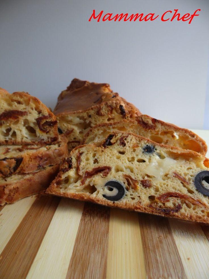 Plumcake pomodori secchi olive e mozzarella