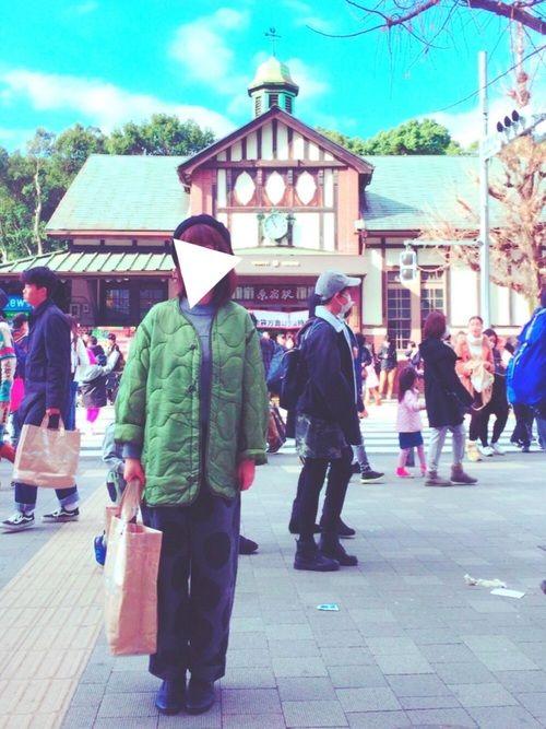 原宿駅が建て直しするみたいだから、その前に記念に撮って撮って!と友人に撮って貰いました◯ しかし初売