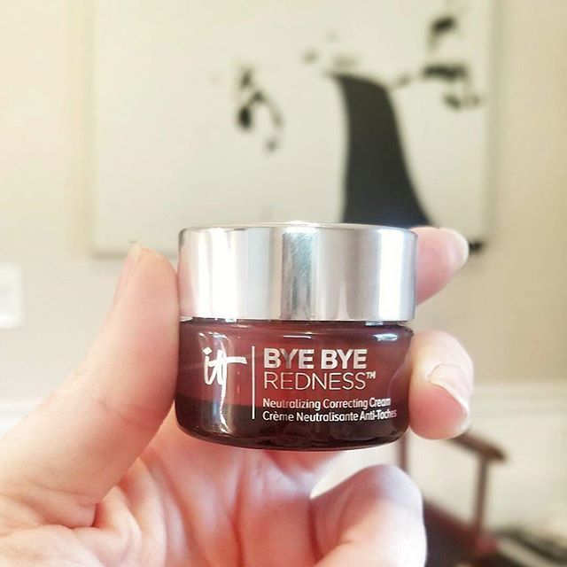 Redness problems, solved. Make redness disappear with your best-selling Bye Bye Redness Neutralizing Correcting Cream. Have you tried IT yet? #itcosmetics 📷: @megannoellebeauty