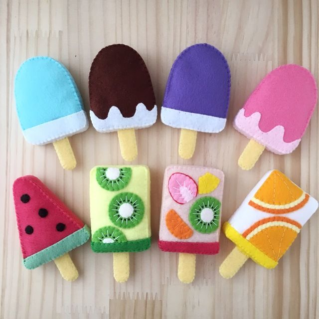 These felt popsicles are adorable.
