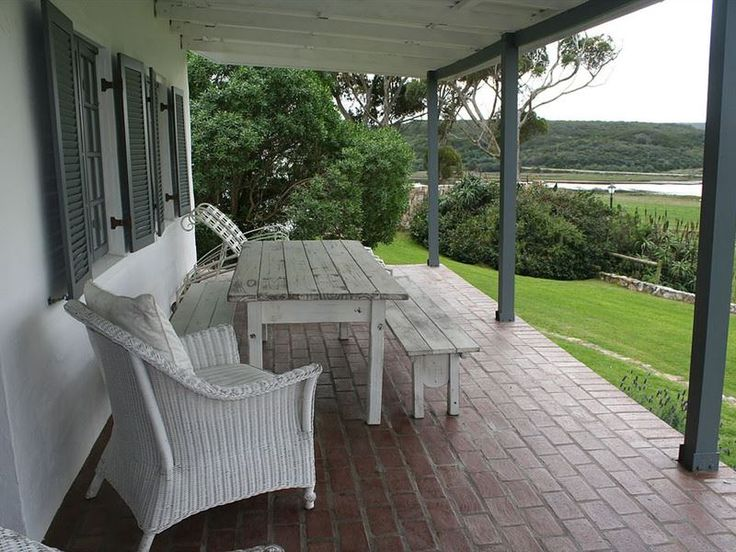 Kleinbergskloof Olive Estate - Kleinbergskloof Olive Estate is situated a stone's throw away from the quaint town of Stilbaai, alongside the Goukou River.The charming Kleinbergskloof cottage comprises of three bedrooms, two bathrooms, ... #weekendgetaways #stilbaai #southafrica